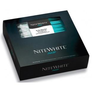 Отбеливающая система NiteWhite ACP 16% на основе перекиси карбамида.